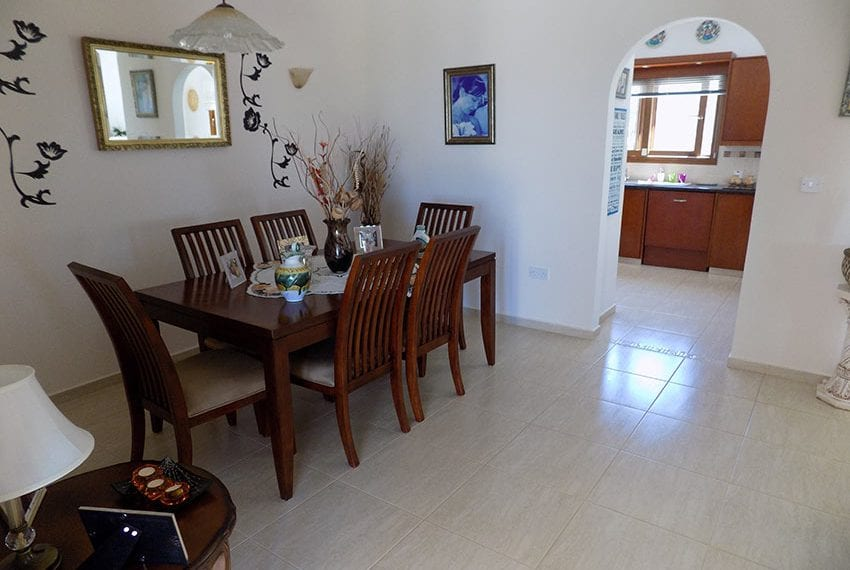 lovely 3 bedroom bungalow for sale in Kathikas26