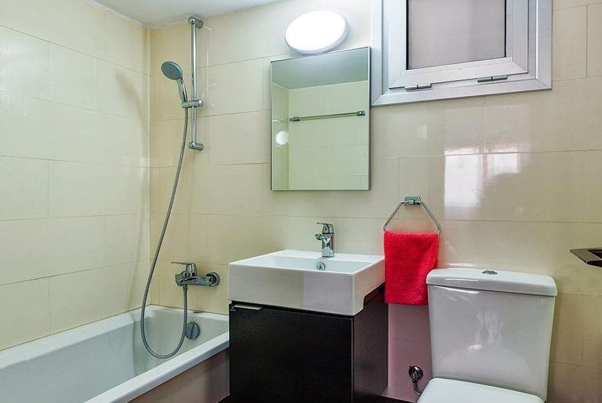 1 Bedroom Ground Floor Apartment at Agios Tychonas Tourist area10