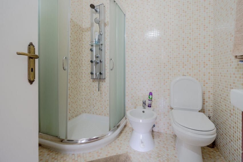 3 bedroom apartment for sale Hawaii Suntan complex Limassol21