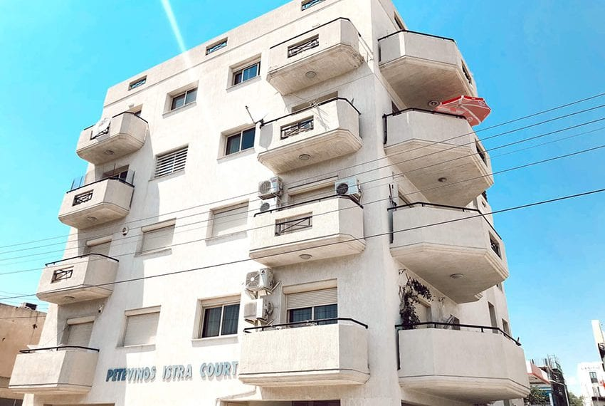 For sale 2 bedroom apartment with sea views Limassol center11
