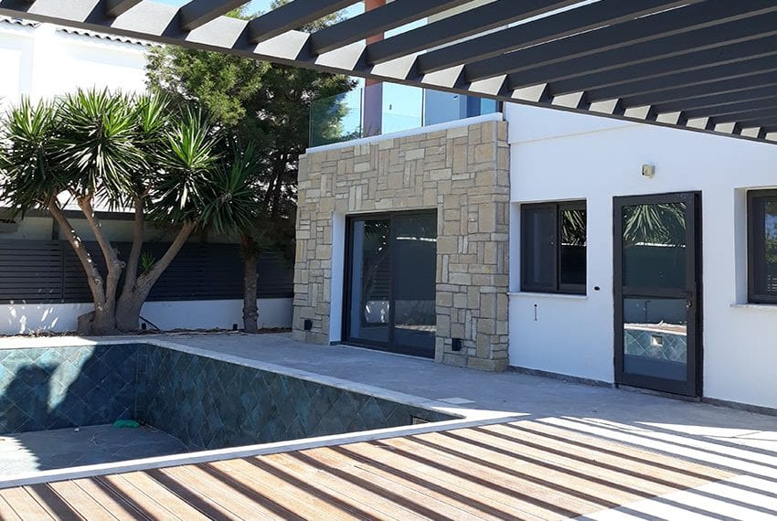 Villa for sale with private pool in Emba Paphos10