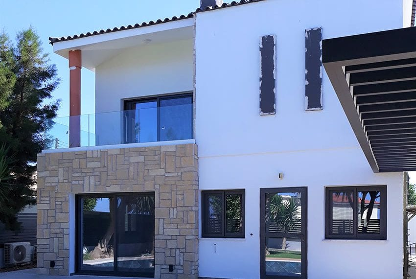 Villa for sale with private pool in Emba Paphos12