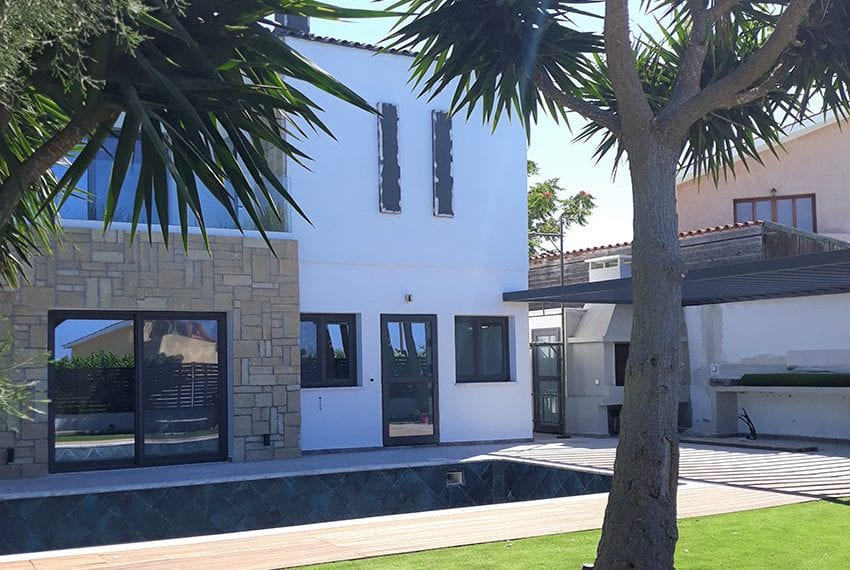 Villa for sale with private pool in Emba Paphos13
