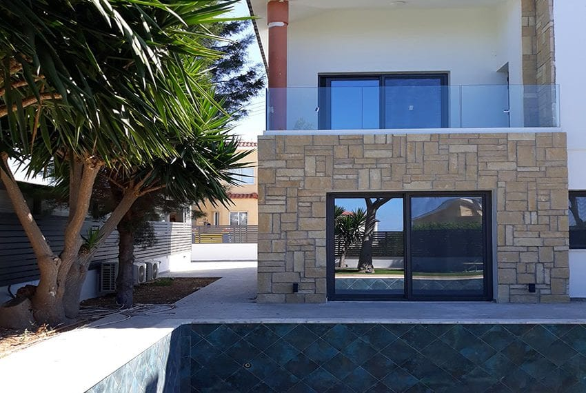 Villa for sale with private pool in Emba Paphos14