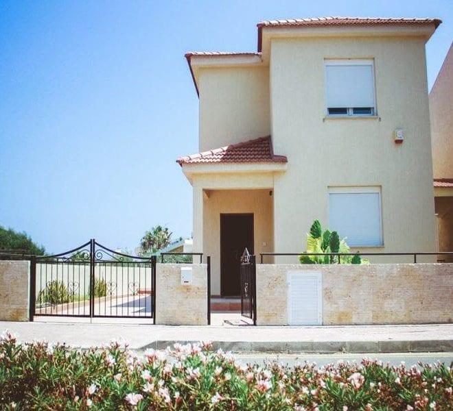 3 bed detached villa for sale in Limassol near St Rafael hotel