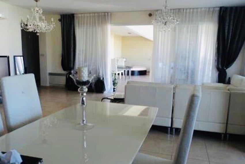 Spacious 3 bedrooms penthouse for sale in Potamos Germasogeia17