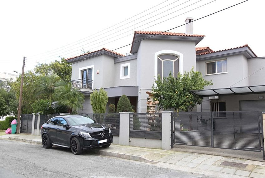 Modern-6-bedroom-house-for-sale-in-Limassol-center02