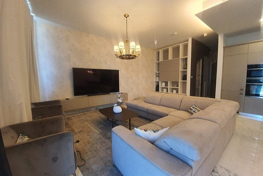 Duplex apartment with private roof garden for rent in Limassol02