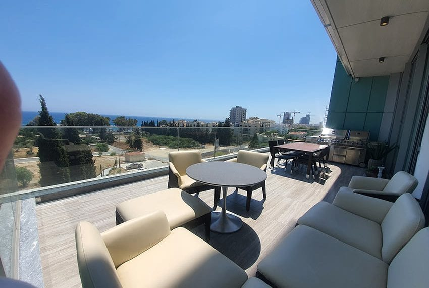 Duplex apartment with private roof garden for rent in Limassol07