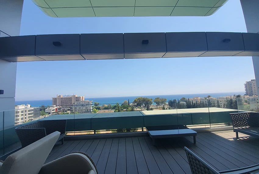 Duplex apartment with private roof garden for rent in Limassol12