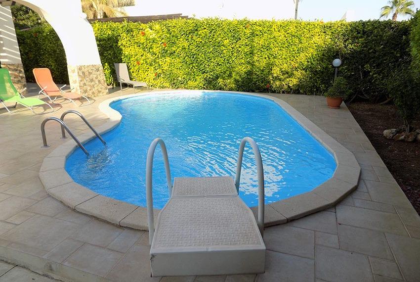Detached 3 bedroom villa for sale in Coral bay area26