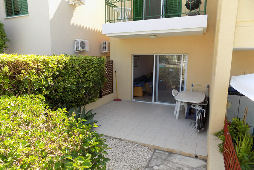 Townhouse for rent with communal pool in Peyia 10