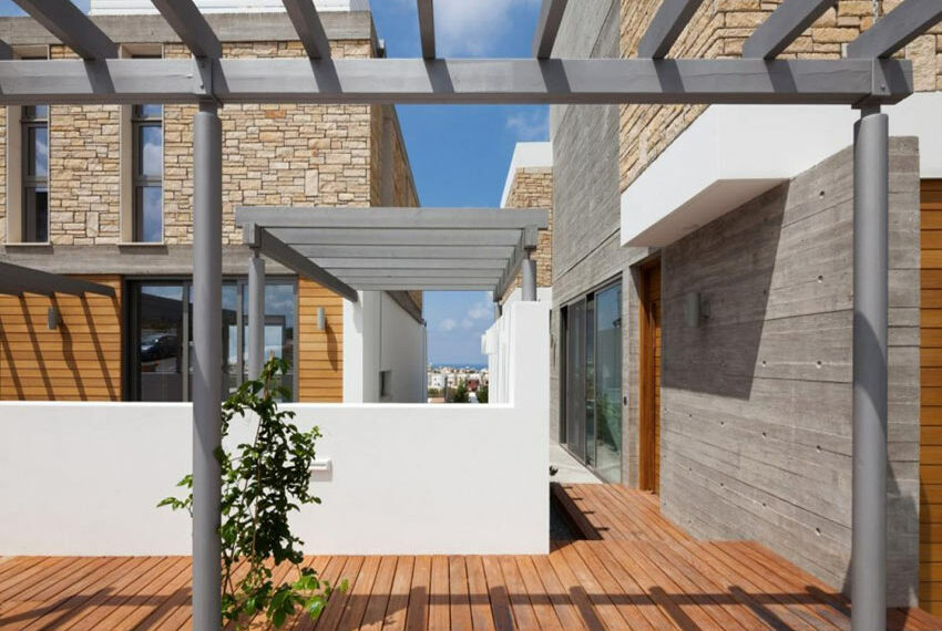 Modern 3 bedroom villa for rent with private pool Emba02