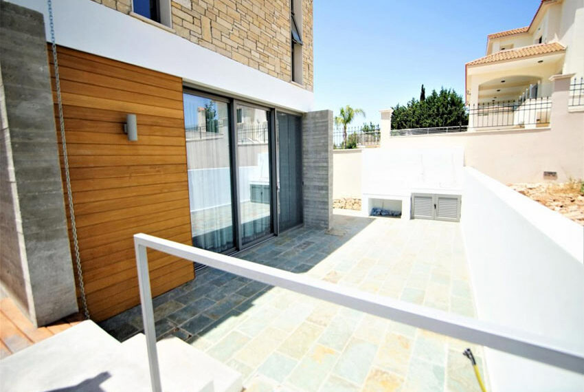 Modern 3 bedroom villa for rent with private pool Emba31