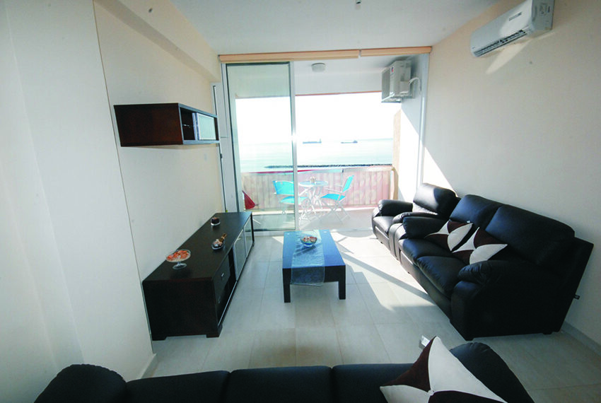 2 bedroom beachfront apartment for rent Limassol_34