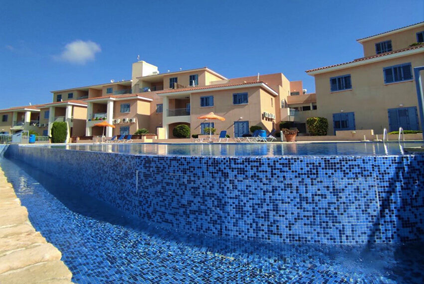 Spacious 3 bedroom apartment for sale Tremithousa Paphos