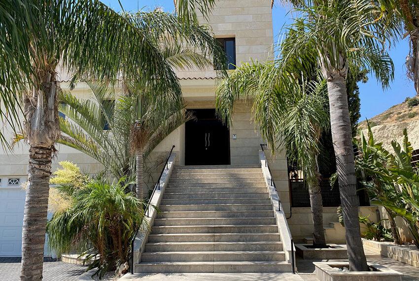 6 bedroom custom built villa for sale in Palodia Limassol_1