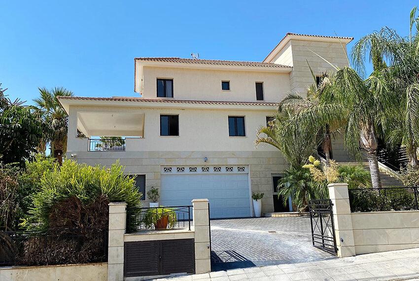 6 bedroom custom built villa for sale in Palodia Limassol_2