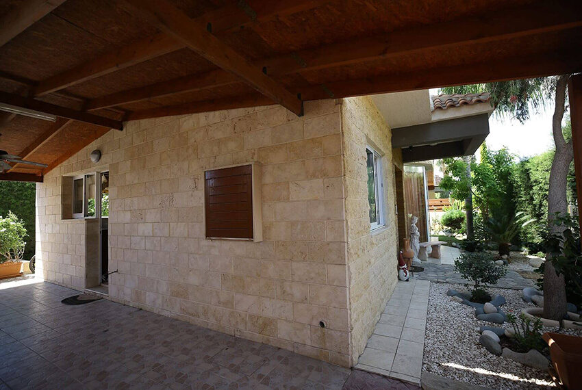Spacious 3 bed house for rent with pool Limassol_7