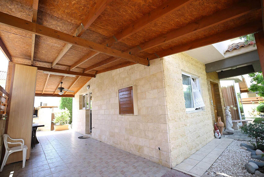 Spacious 3 bed house for rent with pool Limassol_8