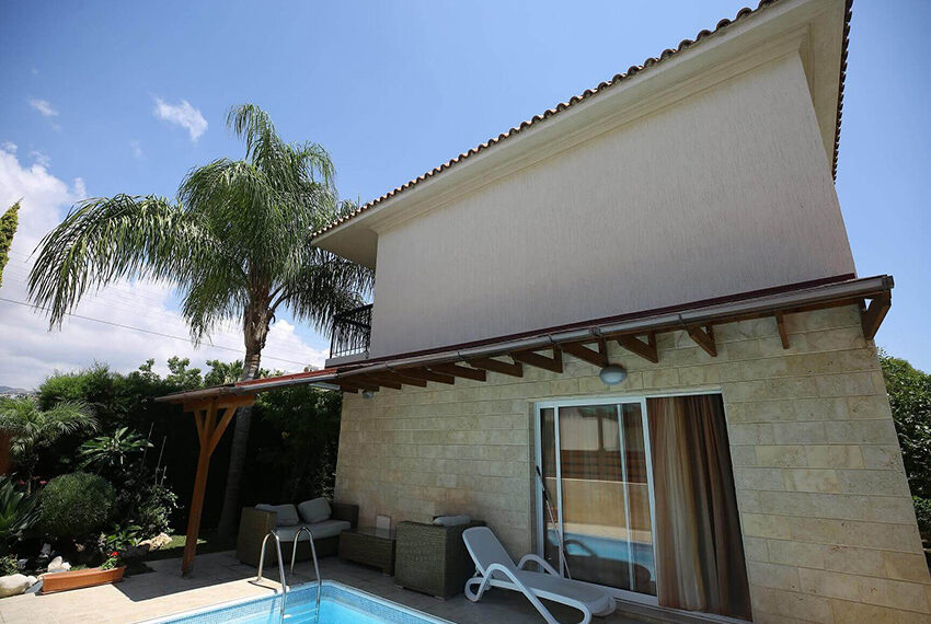Spacious 3 bed house for rent with pool Limassol_11