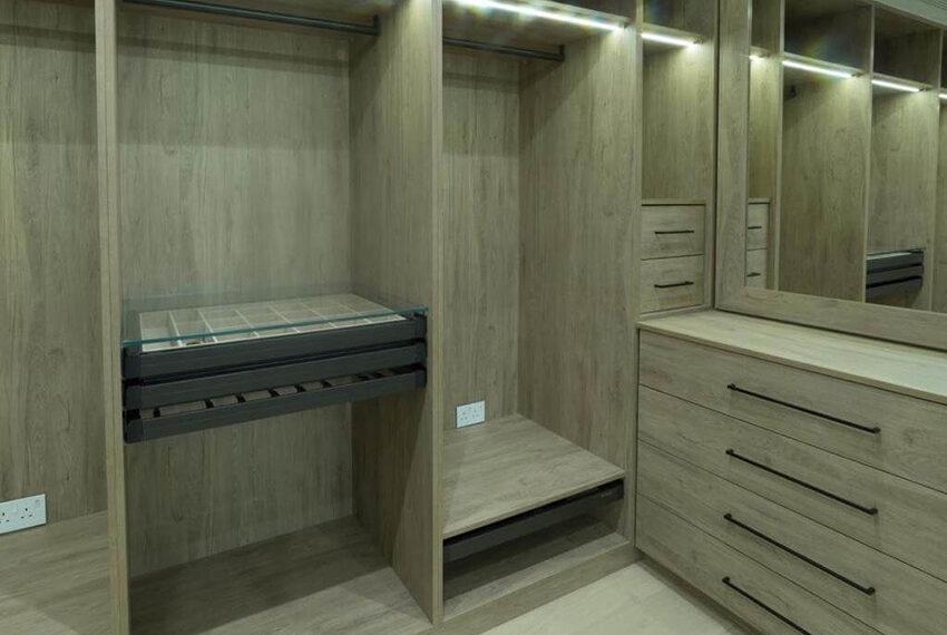 Luxury top floor apartment for rent Limassol tourist area_3