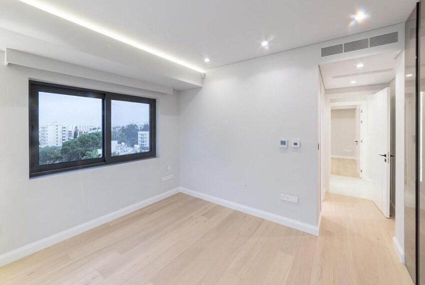 Luxury top floor apartment for rent Limassol tourist area_5