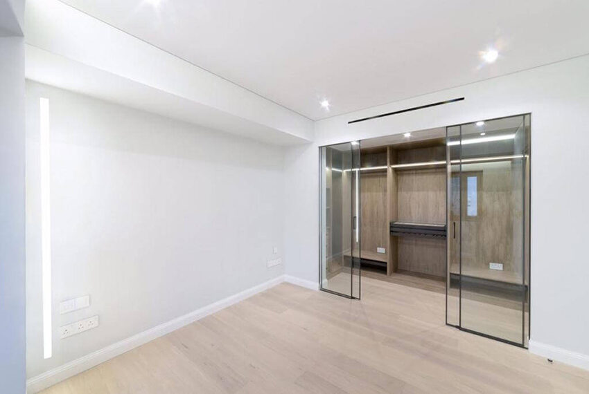 Luxury top floor apartment for rent Limassol tourist area_8