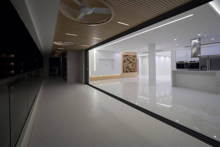 Luxury top floor apartment for rent Limassol tourist area_10