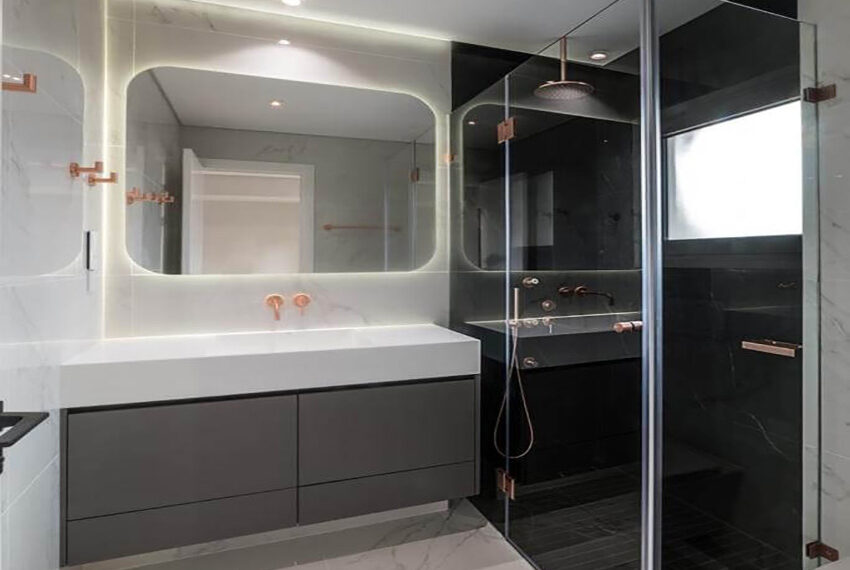 Luxury top floor apartment for rent Limassol tourist area_11