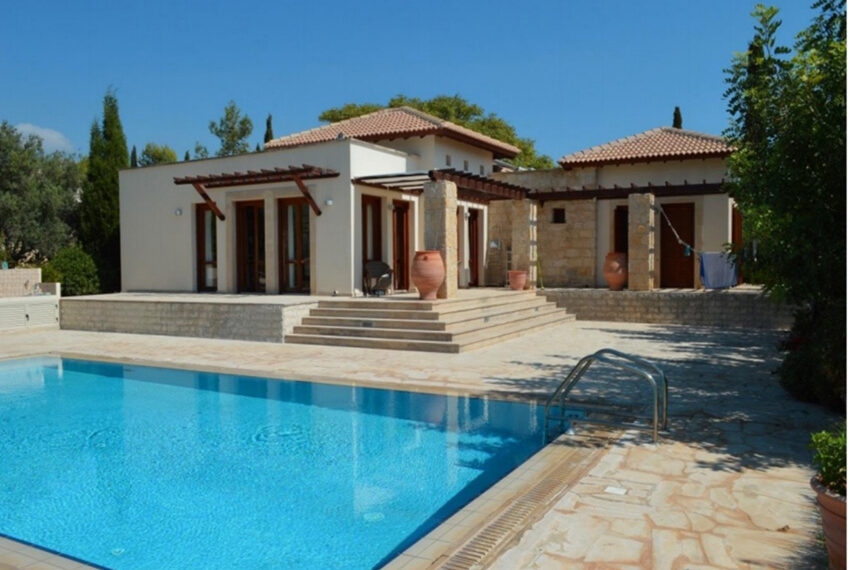Aphrodite hills bungalow for sale large plot and private pool_1