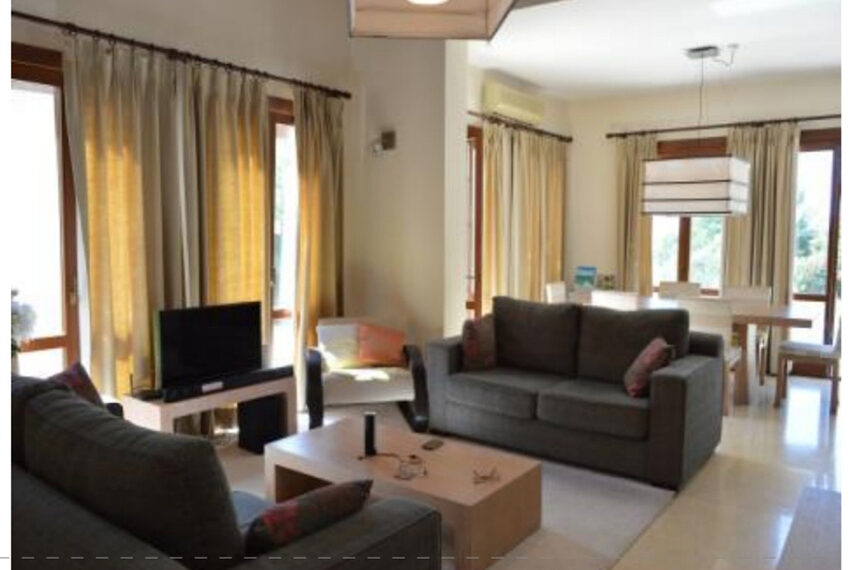 Aphrodite hills bungalow for sale large plot and private pool_3