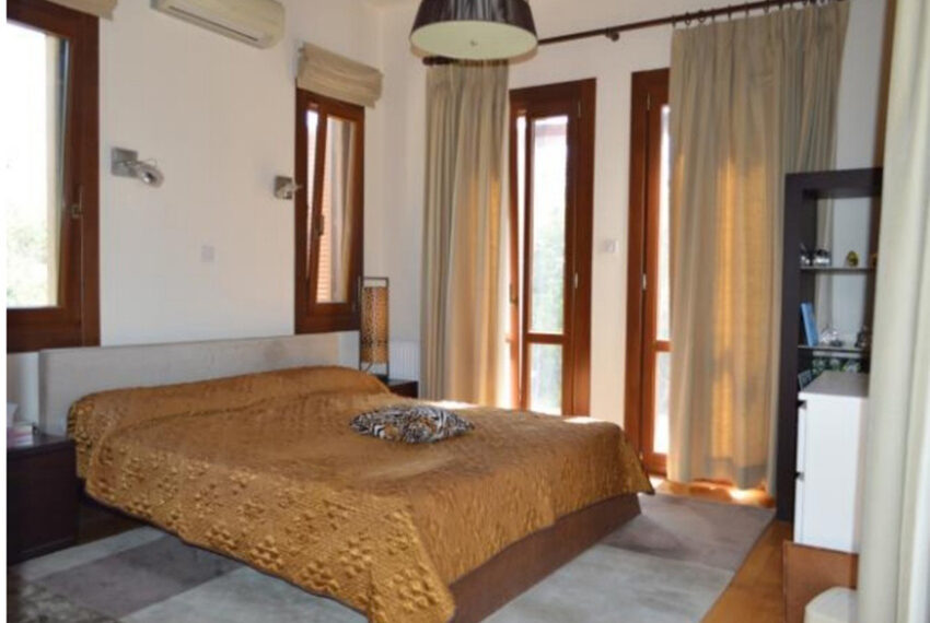 Aphrodite hills bungalow for sale large plot and private pool_6