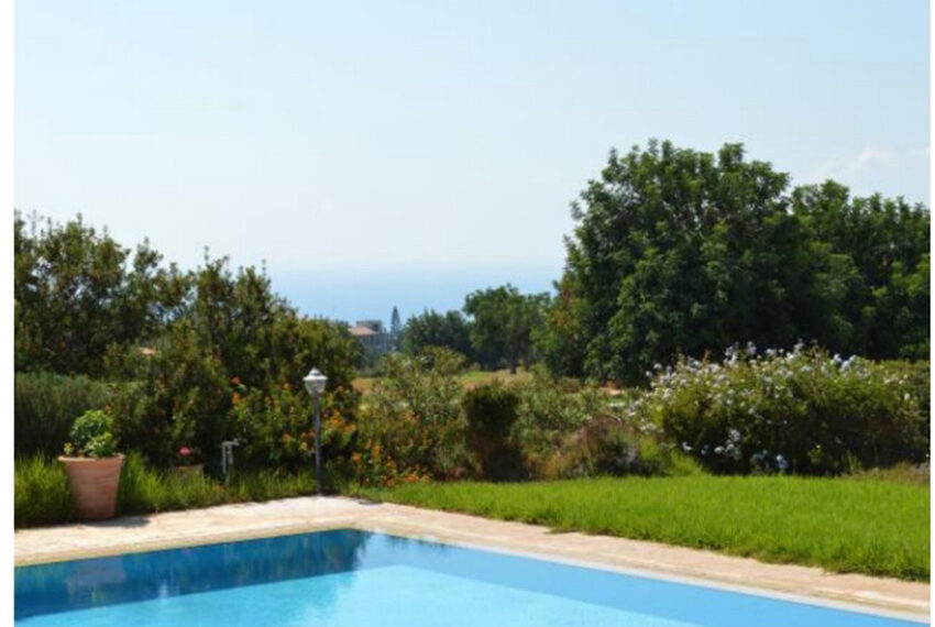 Aphrodite hills bungalow for sale large plot and private pool_9