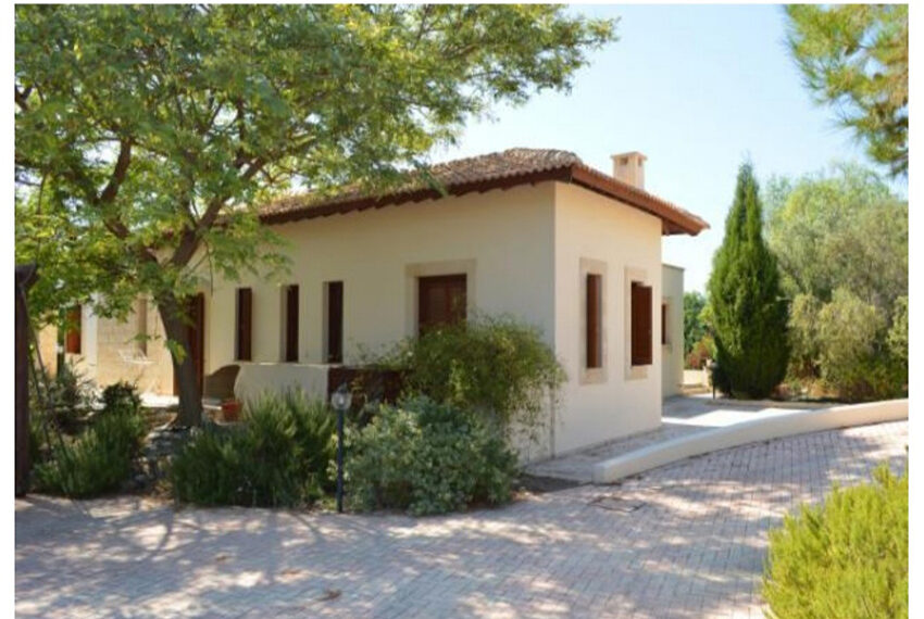 Aphrodite hills bungalow for sale large plot and private pool_12