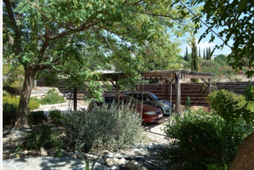 Aphrodite hills bungalow for sale large plot and private pool