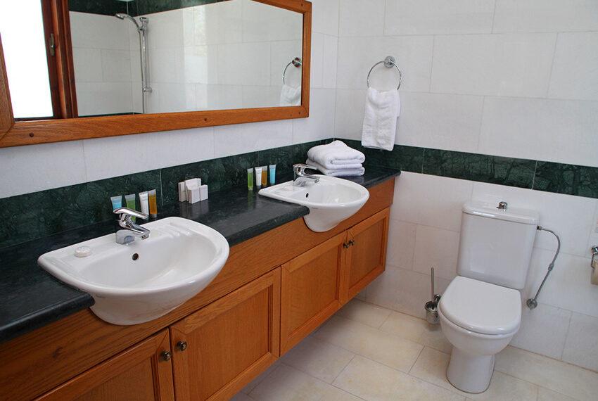 4 bedroom villa for rent Aphrodite Hills Golf Resort Cyprus_7