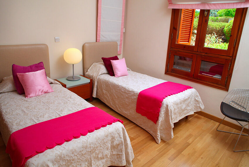 4 bedroom villa for rent Aphrodite Hills Golf Resort Cyprus_10