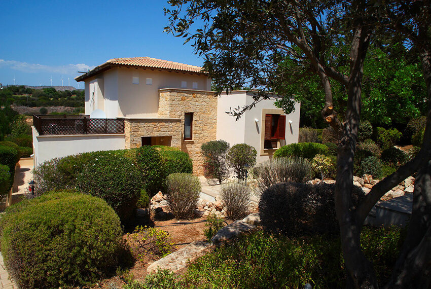 4 bedroom villa for rent Aphrodite Hills Golf Resort Cyprus_12