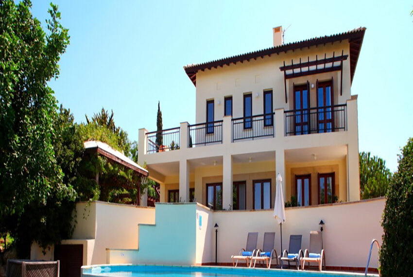 For rent 3 bedroom villa at Aphrodite Hills Golf Resort_1