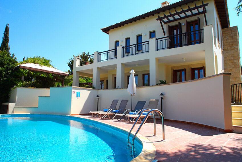 For rent 3 bedroom villa at Aphrodite Hills Golf Resort_3