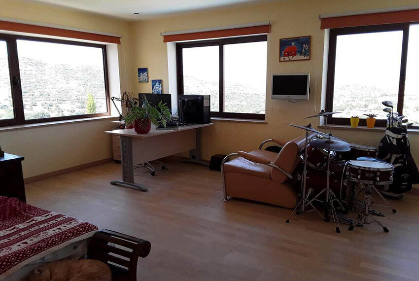 4 bedroom house for sale in Palodeia Limassol district_3