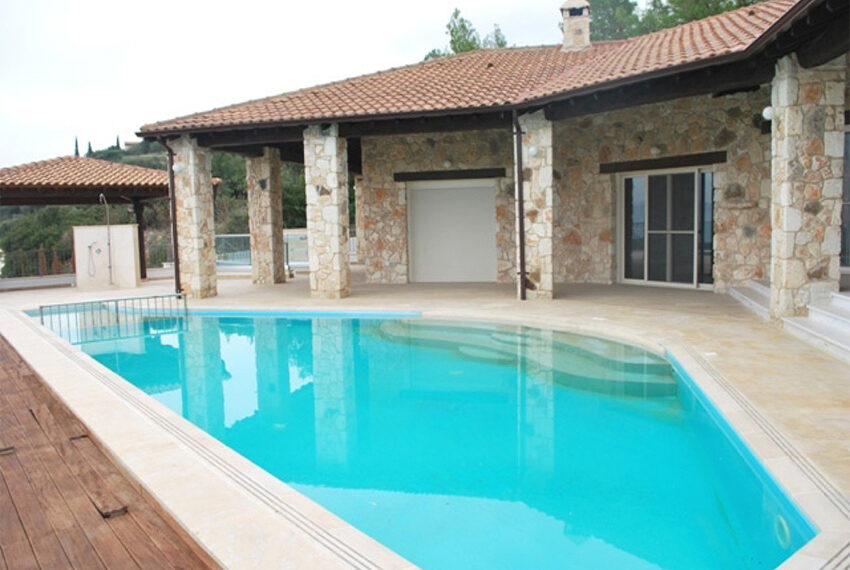 Villa for sale in Latchi with big plot of land_19