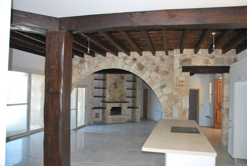 Villa for sale in Latchi with big plot of land_21