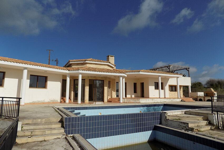 Halkyon villa for sale on large plot Marathunda Paphos_46