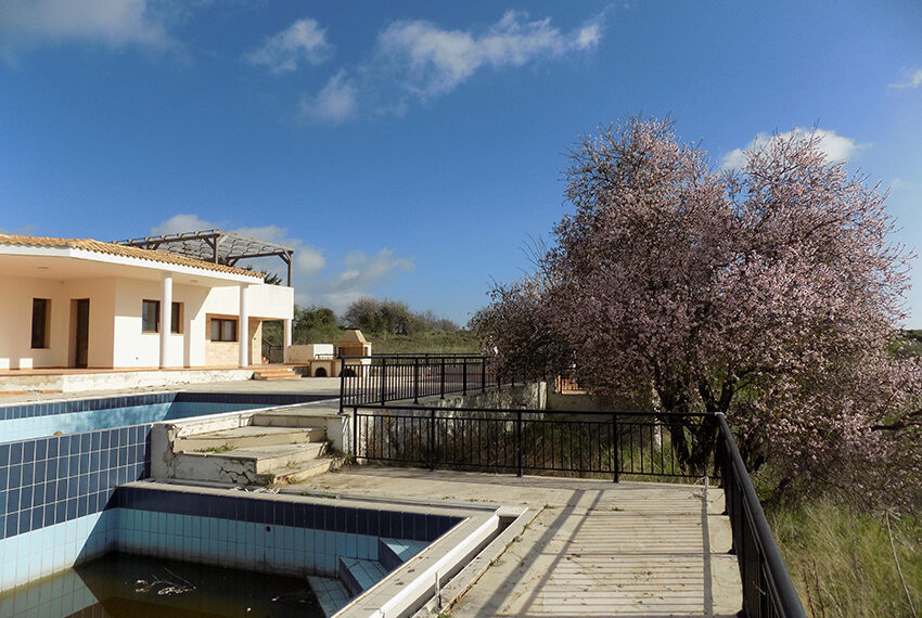 Halkyon villa for sale on large plot Marathunda Paphos_47