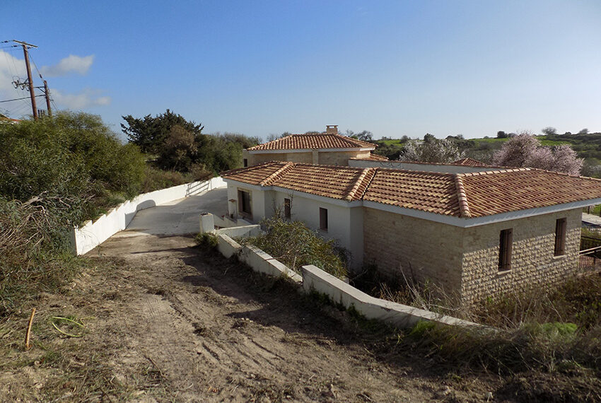 Halkyon villa for sale on large plot Marathunda Paphos_58