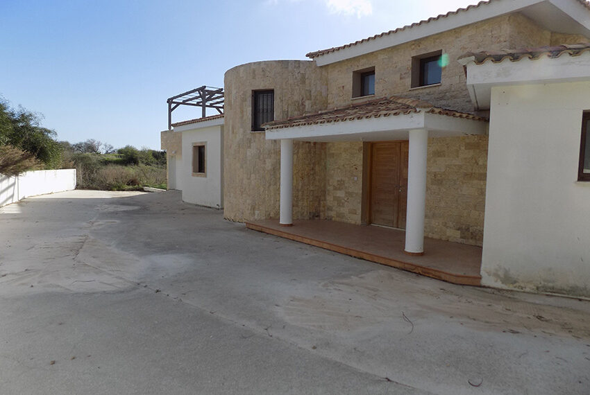 Halkyon villa for sale on large plot Marathunda Paphos_59
