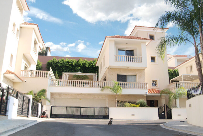 Modern 4 bedroom house for sale in Limassol Mouattagiaka_1