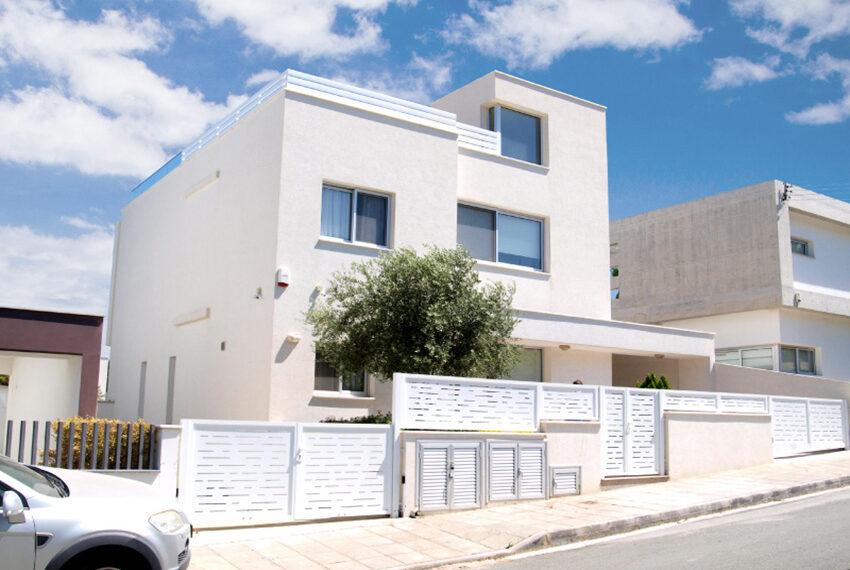 Sunrise luxury villa for sale in Limassol Mouttagiaka_1
